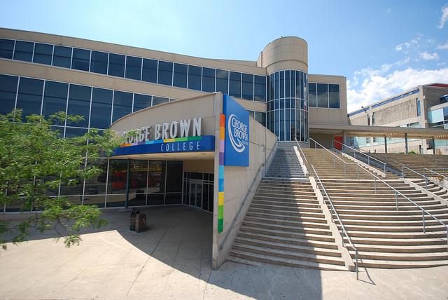 Перейти в раздел Университеты и колледжи Торонто